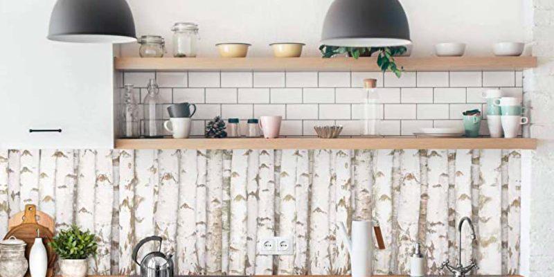 Verniciatura effetto decapé per i mobili della cucina